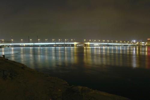 во сколько разводится мост александра невского ставят стол